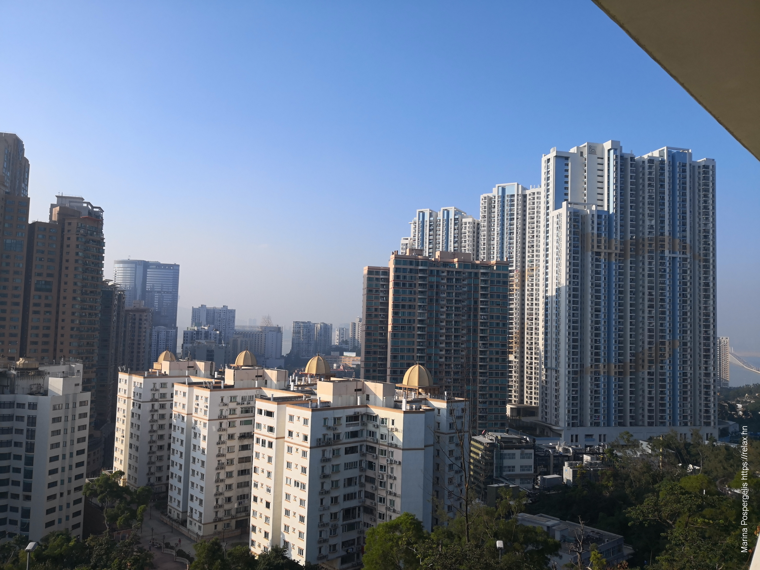 Вид на жилые кварталы Тайпы, правее